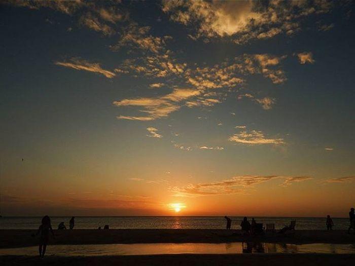 Always a pleasure 👆🎩 Sunset Sun_and_beach_sb Sunset_brilliance Sunsetporn Super_photosunsets Sunset_vision Skyporn Sky_brilliance Sky_sultans WORLD_BESTSKY Clouds Horizon Splendid_horizon Gatewaytosouthamerica Americasplendorosa Audiovisualuruguay Igersuruguay Igerspostales H2o_natura Uruguaynatural Uruguay_estrella Ig_global_shotz Nikonphotography