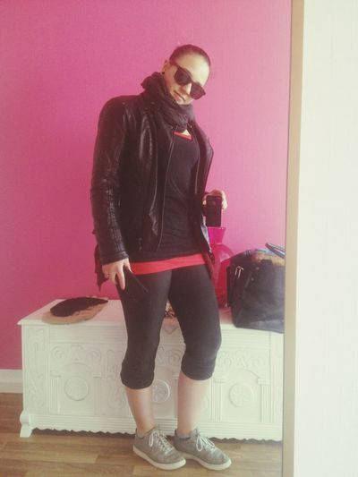 Hello World Check This Out Now I' M On My Way To The Gym Here In Cologne