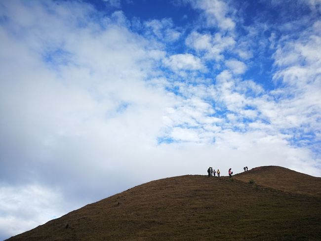 Between Earth and Sky ..... Taking Photos Mobile Photography Eyeem Philippines Huaweimate9 Shotwithhuaweimate9 No Edit Smartphone Photography Huawei Photography Huaweimobile Huawei Mate 9 CaramoanIslands Huaweiphotography Low Angle View Sky And Clouds Mountains And Sky Nature Mt.Ulap Trekking Landscape Kokopaps The Great Outdoors - 2017 EyeEm Awards Lost In The Landscape
