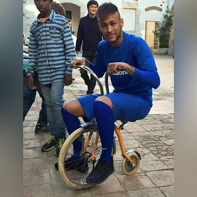 @neymarjr 🙈🙊😭😂⚽ . . . Sbspotlight Soccerbible Football Neymar  thenextlegend