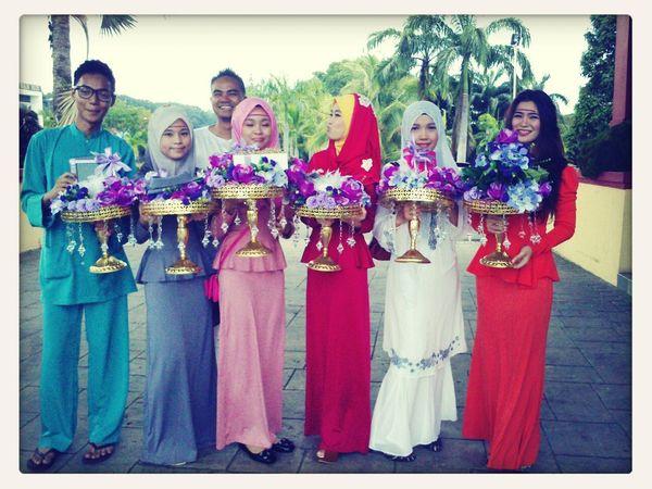 pembawa dulang Malay Culture Muslim Wedding
