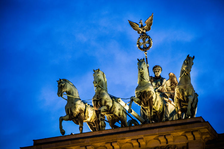 Quadriga statue at brandenburg gate
