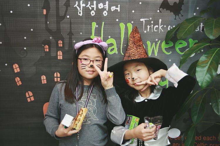 Happy Halloween Everybody~!! :) Halloween Trick Or Treat Adorable Kids