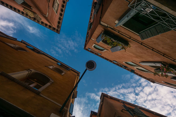 Vendigo Venezia Architecture Built Structure Low Angle View Sky Building No People City Street