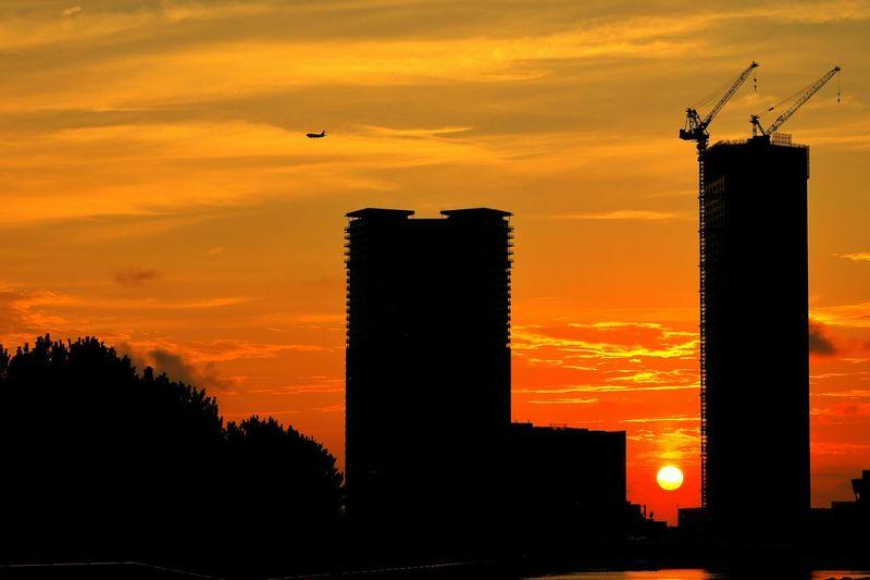 盆の入りの夕焼け♪(*´︶`*)✿ My Best Place Sunset Sunset_collection Sunset Silhouettes シルエット部 Eyeem Best Shots - Silhouette EyeEm Best Shots - Sunsets + Sunrise EyeEm Best Shots - Landscape EyeEm Best Shots Japanese