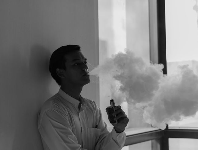 Addiction Smoke Vape Vaping Vapingcommunity Indoors  Portraits Young Adult Blackandwhite Photography Friend