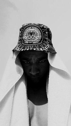 B/Wway Unkut Fashion Couture Art Black White France