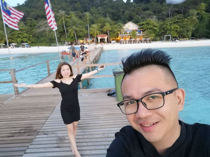 Couples❤❤❤ Romance ❤✨✨ Water Portrait Togetherness Swimming Pool Smiling Beach Women Looking At Camera