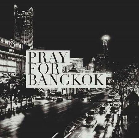 """RiP . เสียใจกับญาติผู้เสียชีวิต และผู้บาดเจ็บด้วยนะครับ """"ระเบิดราชประสงค์"""" Rip ราชประสงค์ วางระเบิด คาร์บอม กรุงเทพมหานคร โหดร้าย เลว Thailand Prayforbangkok สู้ต่อไปนะครับ"""