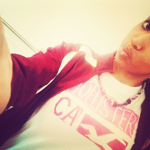 Hollister;) and mynew necklace looking thing ahaha
