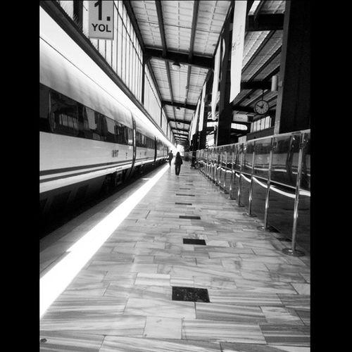 Donus ... Trengarı Kürkçüdükkanınadönmekistemeyentilkisendromu Return Trainstation