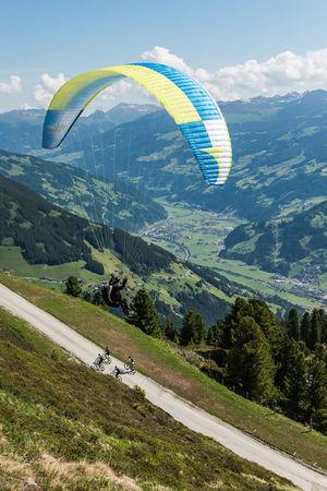 Abenteuer Berge Extremsport Fahrrad Fliegen Freizeit Gleitschirm Landschaft Mayrhofen Penkenberg Sport Stille Österreich