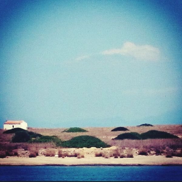 Old House Boat Pictureoftheday EyeEm Nature Lover Azure Sky Simplicity