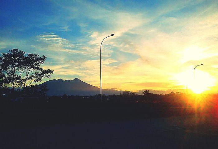 Mount Salak Indonesia Sunset #sun #clouds #skylovers #sky #nature #beautifulinnature #naturalbeauty #photography #landscape Wonderful Indonesia Evening Sky Street Photografy