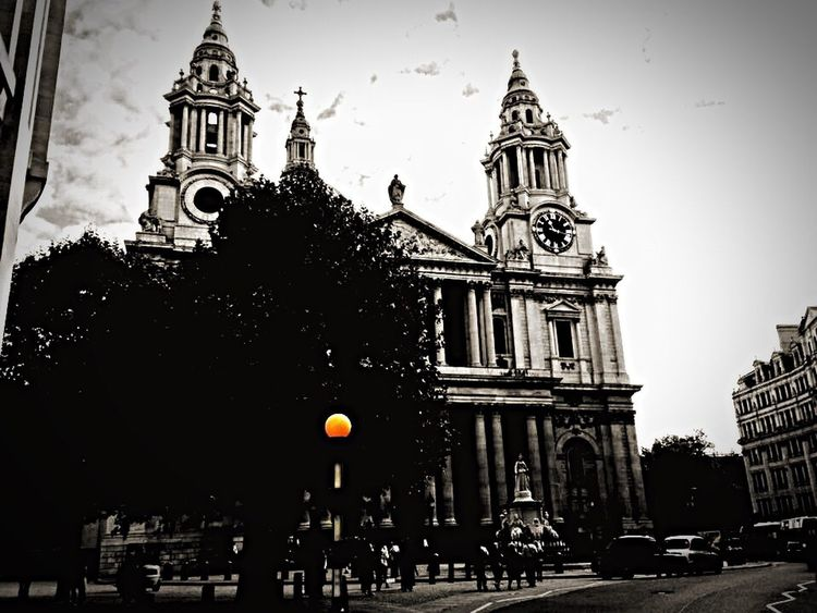 Great Britain United Kingdom London LONDON❤ Blackandwhite Black & White Blackandwhite Photography My Photography My Passion My Passion ❤ My Town My Best Eyeem Shot My Point Of View My New Life  Color Splash Sky And Clouds Old Buildings Taking Photos Enjoying Life Hello World Hi! Showcase March St Paul's Cathedral