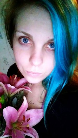 Thats Me ♥ Blue Eyes Blue Hair Flowers Lilys