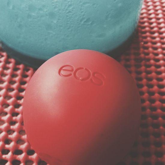 Lipbalm EOS Red Blue