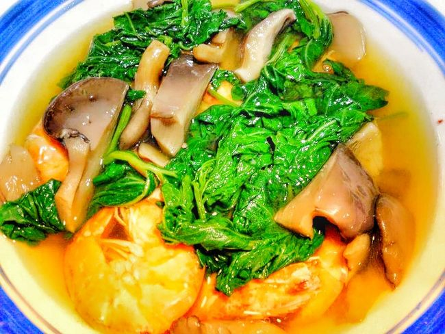 Dinengdeng with shrimp and mushroom Ilocossur Tourist Onlyinthephilippines Onlyinthephilippines🇵🇭 Ilocano Ilocanofood Ilocano Dish Ilocanocuisine Dish Dish Of The Day Cuisine Philippines Filipino Filipino Food Philippinecuisines Philippinedish Mushroom Mushrooms Shrimps Shrimp - Seafood Mint Leaf - Culinary Soup Bowl Directly Above Close-up Food And Drink Soup Bowl Vegetable Soup