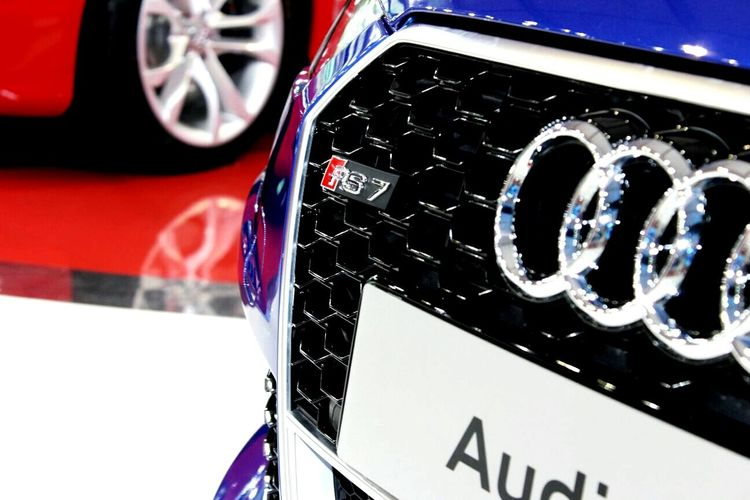 Blue Red Audi Rs7 Cars Carclicks