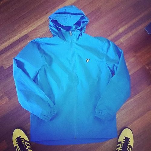 Todaydrop Lyleandscott Windcheater Festivaljacket Rainydaysarecoming Casualclientclothing Casual Supercasual_ with a sneak of Adidasjamaica Adidasislandseries2015