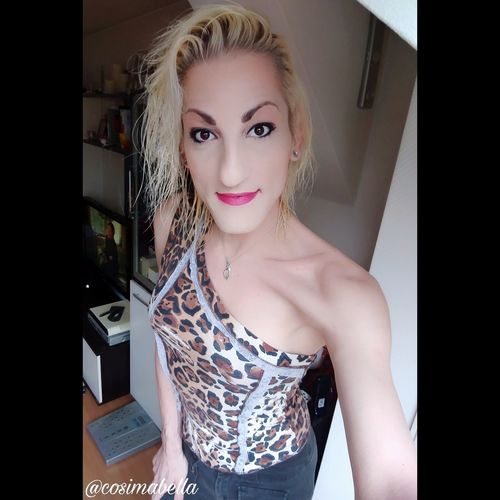 Juhuuu meine lieben 😊 schönen Guten Morgen 🍩🍪☕ Alles, was du leidenschaftlich und begeistert tust, gelingt. Leg heute dein Herz in dein Handeln, verlieb dich in deine Aufgaben, und du erzielst ausgezeichnete Ergebnisse. Wünsche euch allen einen wundervollen 1 Mai 🍂🌿🌈☀. Liebe Umarmung Bussi 💋 eure Cosima 🔥🌊🌾🌪 Cosimabella Cosima Empathie Elementaria Me Ts Goodmorning :) Motivation Lifestyle Fashion Styling Outfit Beautyqueen Selfiequeen Hairartist Nailartist Makeupartist Beaitiful Handsome Recklinghausen Germany Liveonboard Sailinglife Lightatmorning Blond Hair Bride Portrait Beauty Beautiful Woman Glamour Luxury Females Young Women Millionnaire