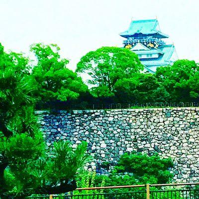 大阪城に。