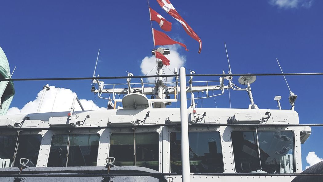 Flag Nautical Vessel Patriotism Transportation Mode Of Transport Sunny Outdoors Blue Sky Ship No People Army Marine Life Marine Ships Boats Ships⚓️⛵️🚢 War Ship Warfare Wereldhavendagen Taking Photos Taking Pictures Eye4photography  In Front Of Object