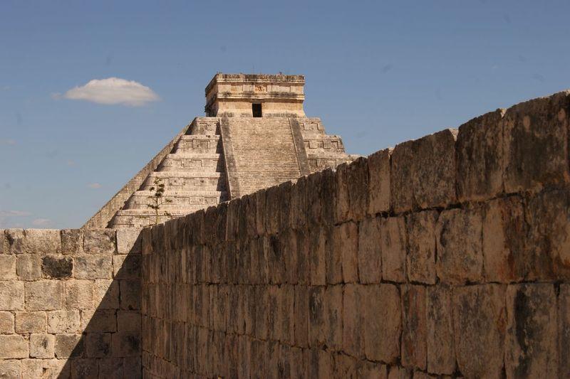 maya kukulkan Ancient Civilization Pyramid War Ancient Old Ruin Fort News Event History Place Of Worship Brick Wall Castle Medieval Ancient History Fortified Wall Fortress