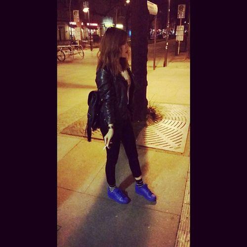 OOY AllBlack Danielwellington Sneaker Adidasoriginals Supercolor Blue Style