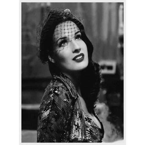 I cannot get over this woman. Someone I look up to. ♡ Ditavonteese