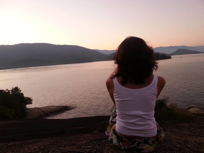 Contemplação...Lake One Person People Adult Child Long Hair Sunset Rear View Girls Tranquility Water Human Body Part Only Women Mountain Nature Vacations Outdoors Women Human Back Back Mar Sea And Sky Paraty - RJ