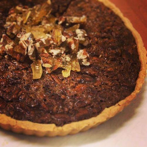 Happy birthday pecan and chocolate tart Butterypastry Homemadewithlove Bakinginarcon @sylvi_blumae