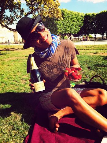Enjoying The Sun Hello World Hanging Out Champagne