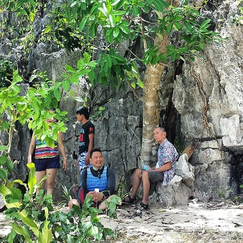 A candid photo I snapped of The Don and his son. Fatherandson Caramoan 👬💕