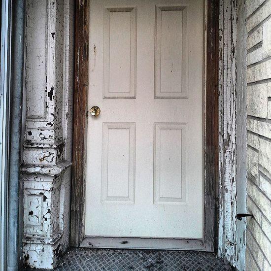 Street Door Roadtrip Photooftheday Doorway Peelingpaint Peel Beatrice Courtstreet Streetalma Shotonthefly