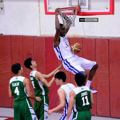 Allen of the Ateneo Team B stunned the crowd with four power slam dunks. This was his first. ??? . . . Fmc FrMartinCup AGBvsNCBA Admu ateneo agb ateneogloryB hoop basketball themanansala