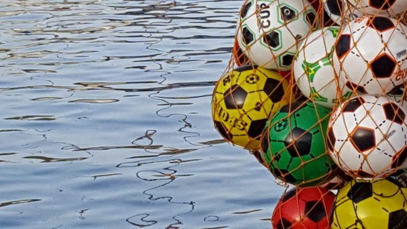 Soccer Balle Balls Water Ocean Backgrounds Background Background Texture Background Photography Worldcup Weltmeisterschaft EM Wm Footballs Playing Net Nets Gozo Gozo Island