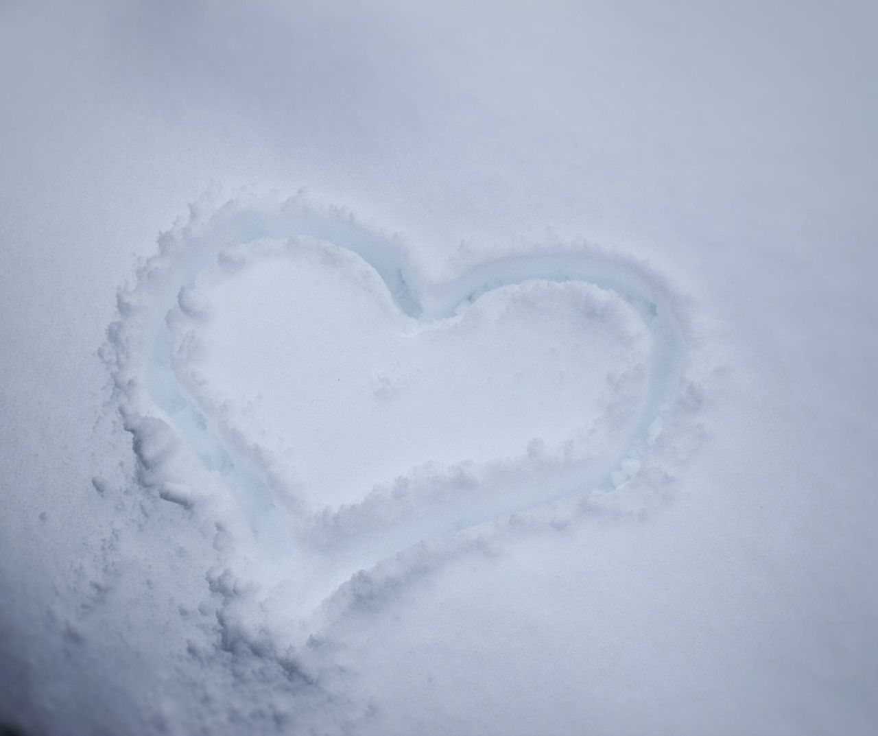 heart shape, white color, love, nature, beauty in nature, no people, winter, day, cold temperature, snow, outdoors, close-up