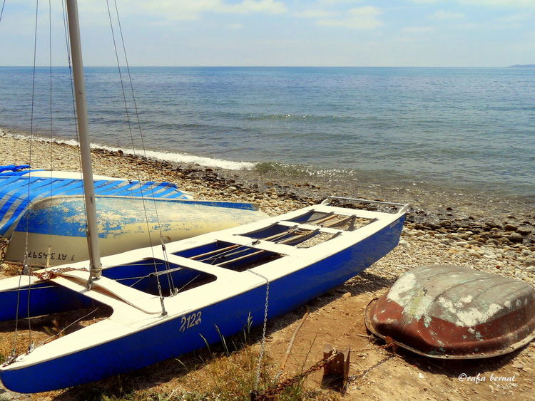Barcas y catamarán sacadas del agua en el Rincón de la Zofra, El Campello, Alicante. EyeEm Nature Lover Streamzoofamily Landscape_Collection Nature_collection