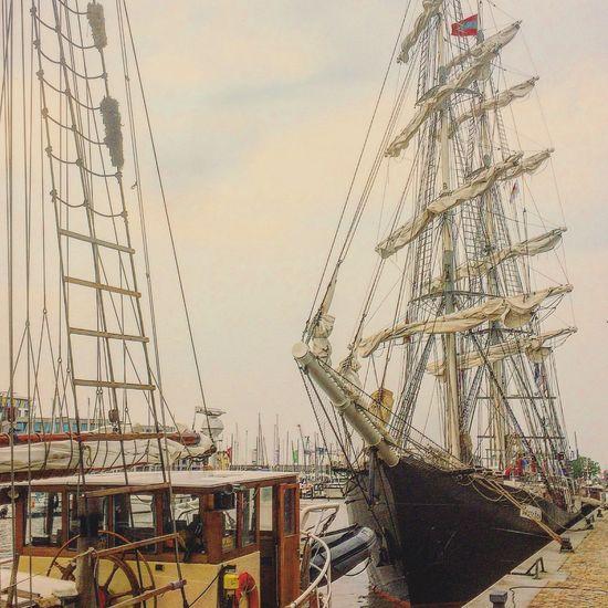 Mercedes Ship Ships Sailing Sailing Ship Sailboat Bremerhaven Seestadtfest Picoftheday Like4like Follow4follow Followme