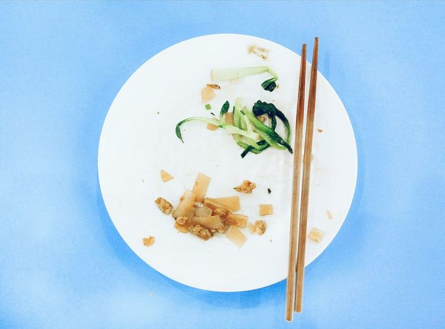 Plates On A Table PhonePhotography Tasty Delicious Blue Eat Up Blue Table Table Noodles Plates Chopsticks Chinese Food Quiet Places Eating Lifestyles Noodles Lover Hungry From My Point Of View Above