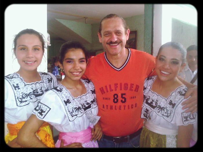 Bailar. Folklore. Con. Teo González :3