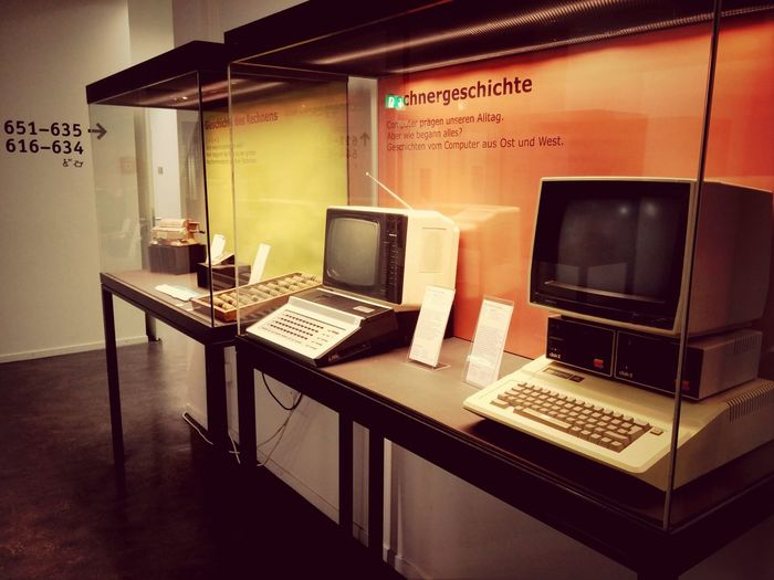 Vintage at its best ... Oldschool Computers Technology I Can't Live Without Cool Stuff Looking Into The Future