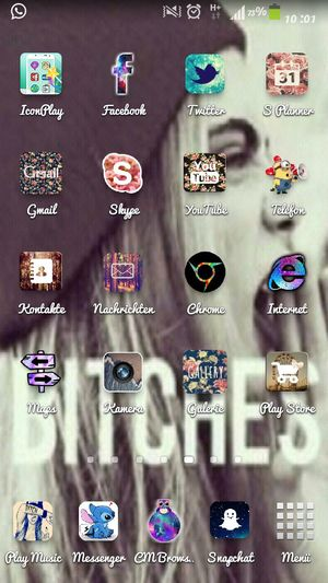 I love ma wallpaper and ma icons ♥♥♥♥ Love