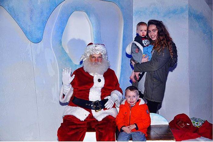 The boys and rhaya with Santa @rhayaxdarling @mrslyddiatt Familyholiday Family Christmas2015 LoveThemAll Butlins Butlinsminehead