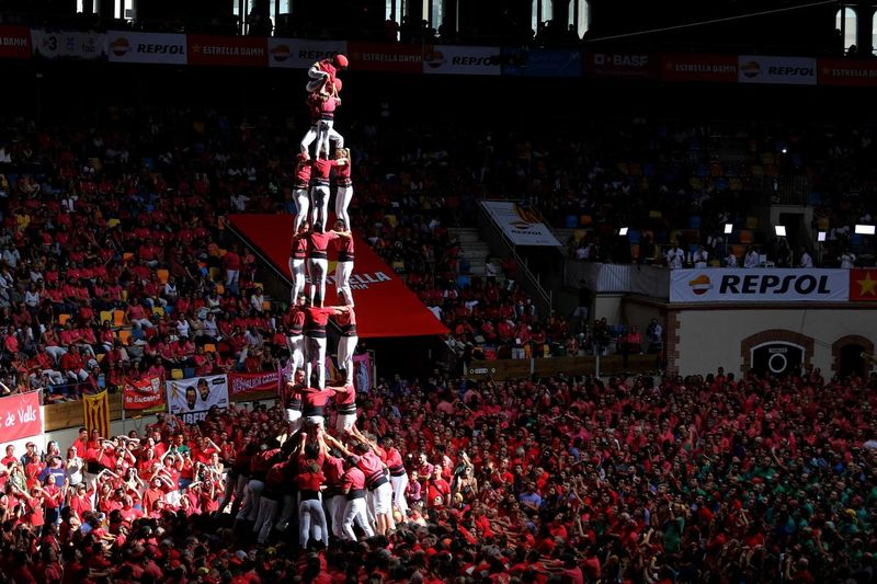 Castellers Human Towers Crowd Large Group Of People Red Group Of People Celebration Architecture Built Structure