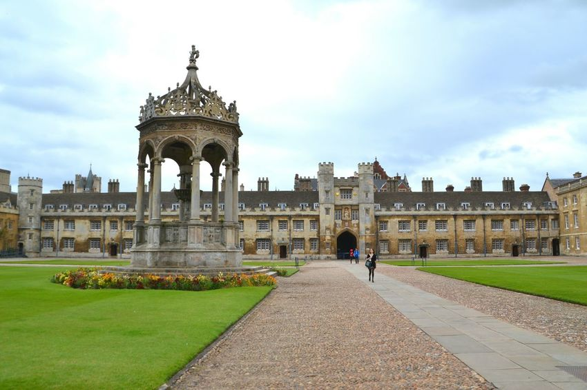Trinity College in Cambridge, an extremely beautiful place The Architect - 2015 EyeEm Awards The Traveler - 2015 EyeEm Awards The Moment - 2015 EyeEm Awards Architecture College University Cambridge Miles Away