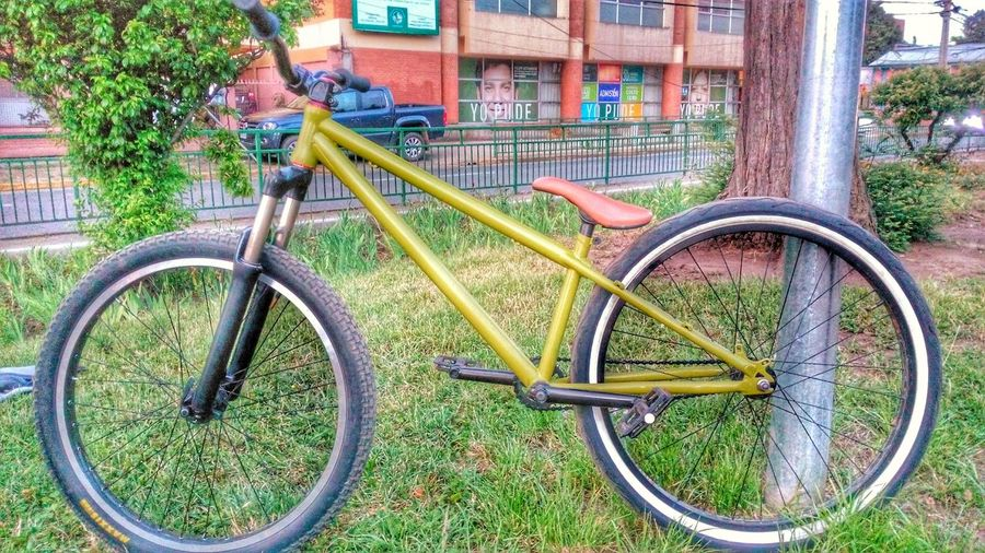 Bikeporn Urbanstyle Bikelife Simple Moment Maxxis Hollyroller Crank Ss Suntour Everybodystreet Everybody Street