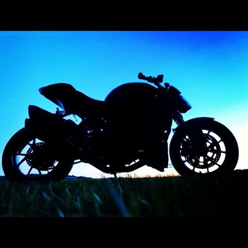 Forwards ever backwards never Therapyride Ducati Ducatistreetfighter Silhoutte cincinnati motorcycle bike sunset magichour italian
