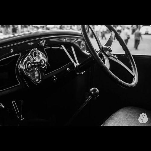 Antique Car CarShow Antiquecar Autoshow Autoshowpuertorico 🙌🙌🙌🙌 Autoshowantique Antiquecars Photography Photo Cars Antiquephoto Antique Car Blackandwhite Blackandwhite Photography Black And White Black And White Photography